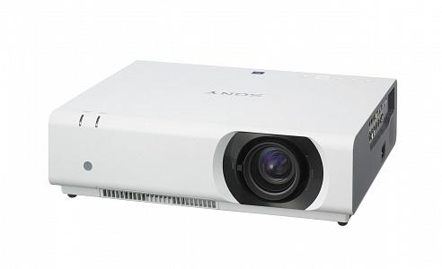 Инсталляционный проектор с разрешением XGA и яркостью 4100 лм