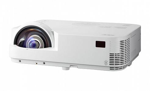 Короткофокусный DLP проектор с разрешением XGA (1024*768) и яркостью 3300 лм