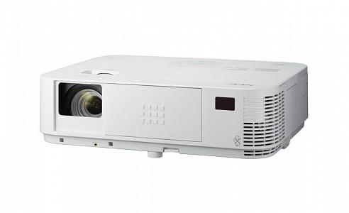 Проектор с яркостью 3200 лм и разрешением Full HD