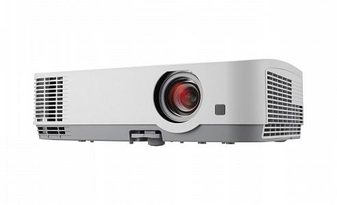 Профессиональный настольный проектор с разрешением XGA (1024 x 768) и яркостью 3000 лм