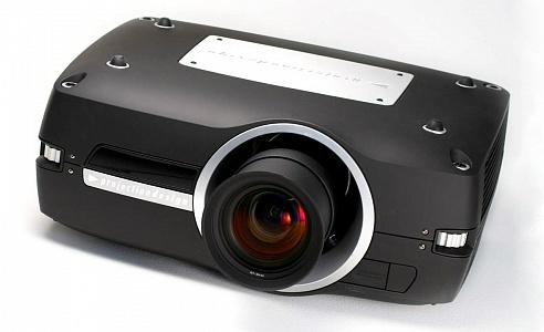 Профессиональный 3-чиповый DLP-проектор с большими возможностями точной настройки цвета и яркости изображения