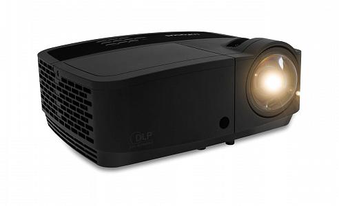 Короткофокусный проектор с разрешением XGA и яркостью 3700 лм
