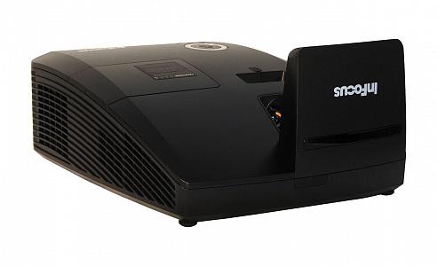 Ультракороткофокусный 3D проектор с яркостью 3300 лм и разрешением WXGA (1280*800)