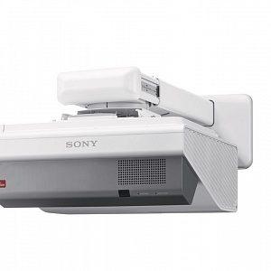 Ультракороткофокусный проектор с разрешением WXGA и яркостью 3300 лм